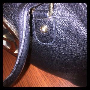 Handbags - 💯% authentic Gucci purse *ADDITIONAL PICS*